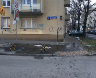 Kontrowersyjne miejsca parkingowe na Melsztyńskiej Marcin Chłopaś/tvnwarszawa.pl