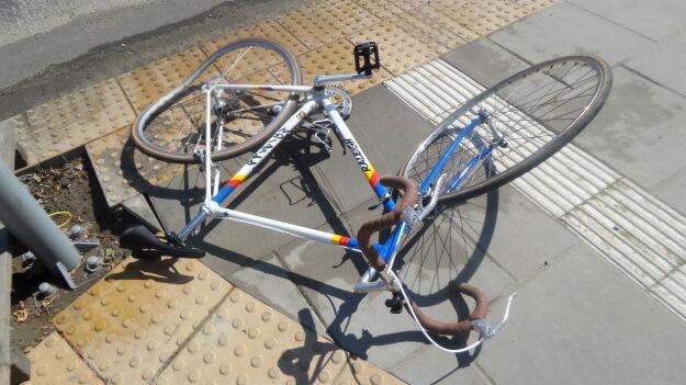 """Rowerzysta potrącony na pasach. """"Nie zsiadł z roweru"""""""