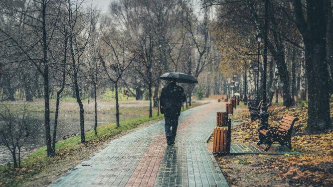 Pogoda na dziś: deszcz i deszcz ze śniegiem, do 10 stopni