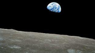 NASA zamyka dwa centra kosmiczne przez koronawirusa. Możliwe opóźnienia w locie na Księżyc