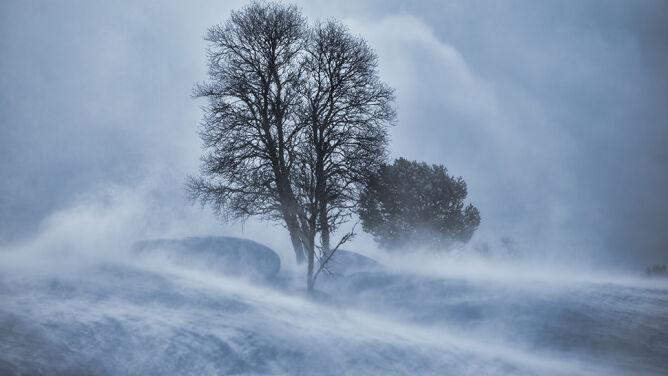 W górach powieje do 120 kilometrów na godzinę. We wtorek wrócą opady śniegu